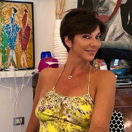 Giornalista Sky TG24 Valentina Bendicenti a casa mentre si sta riposando